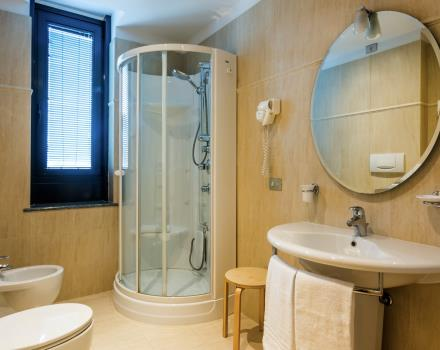 Large bathroom in our rooms at the Best Western Plus Executive 4 star hotel in the center of Turin