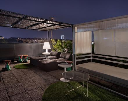 Our 4-star hotel in Turin offers relaxing rooftop sofas