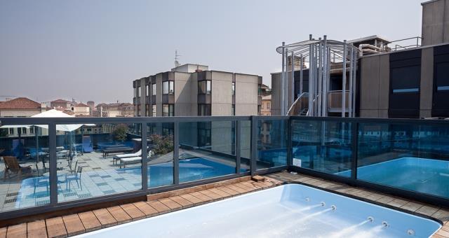 Hotel con piscina sul terrazzo Torino centro