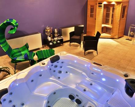 Treat yourself in our new Vitamine Wellness   Relax and pamper yourself at the Best Western Plus Executive Hotel and Suites. After a long working day or an itinerary trough the city, you can have the luxury of:   Spacious and heated bathtub with hydro-massage Relax area Sauna and shower   Kit with bathrobe, slippers, deluxe body lotion and shampoo Available for 12 euro   Only slippers rental 2 euro; only bathrobe rental 6 euro.     Vitamine Wellness is open from October 1st to May 31st. From Monday to Saturday 17.30-21.00.   From June 1st to September 31st is open the solarium roof top mode off with a little pool with Hydro-massage.