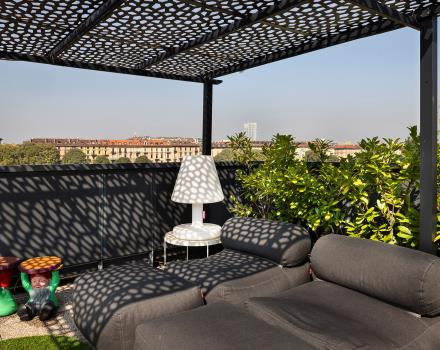 An oase of relaxation in Turin Porta Nuova: the rooftop of our hotel
