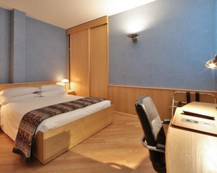 Discover our Superior rooms! Very large, wooden floors and the best technology ready to welcome you! At 5 minutes from Porta Nuova station and 5 minutes by subway from ingot! Best Western Plus Executive Hotel and Suites