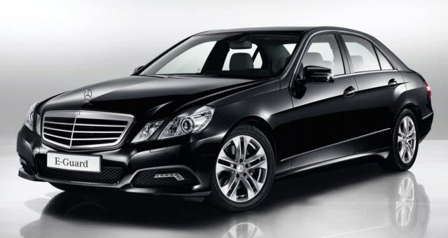 Mercedes E class Executive shuttle service Hotel and Suites
